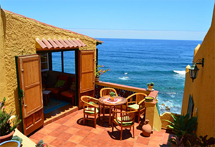 Holiday house by the sea on the north coast Tenerife.... Ocean noise and fantastically quiet location