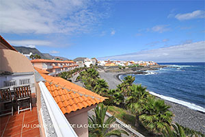 Teneriffa Norden. View from the penthouse to the sandy beach La Caleta de Interian