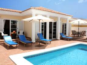 Villa with private heating pool, wifi, air conditioner & safe/ south-west coast Tenerife