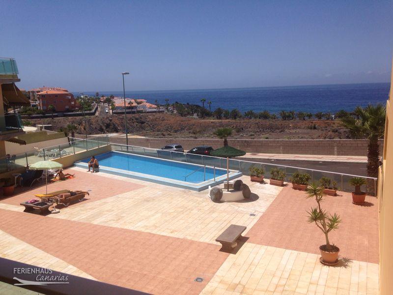 meerblickapartment mit balkon pool playa san juan. Black Bedroom Furniture Sets. Home Design Ideas