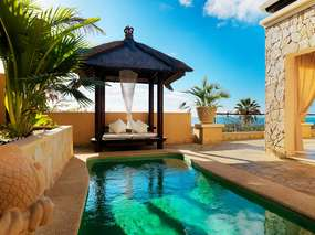 Villa Duquesa with private pool / Royal Garden Resort the golf green Costa Adeje