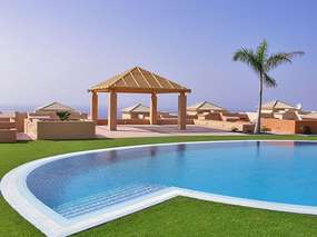 Luxurious villa in La Caleta - large, heated pool