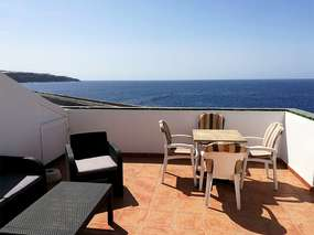 Penthouse apartment - large roof terrace & sea views in Playa San Juan/ Tenerife south-west