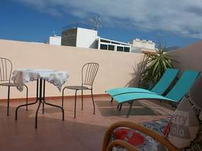 Holiday flat with roof patio & balcony in the southwest of Tenerife