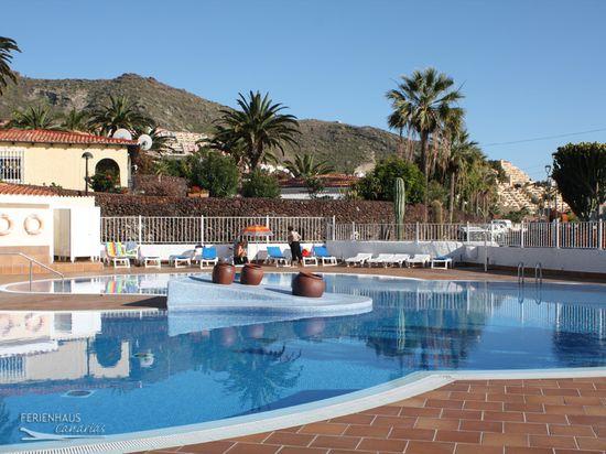 Ferienhaus Teneriffa Mit Pool , Apartment Mit Blick Ins Grüne Balkon & Pool Beliebte Wohnanlage