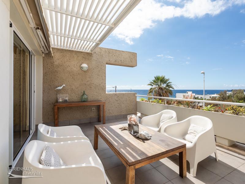 gro es meerblick apartment meernah mit 2 terrassen. Black Bedroom Furniture Sets. Home Design Ideas