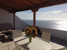 NEW: Modern apartment with sun terrace & pool in Los Gigantes
