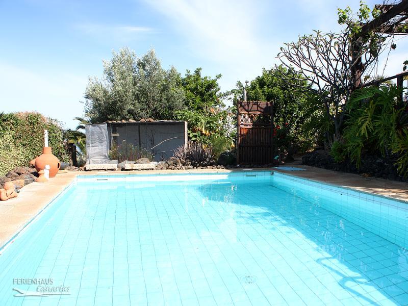 preiswertes ferienh uschen auf finca mit pool und k stenblick wlan sat tv. Black Bedroom Furniture Sets. Home Design Ideas