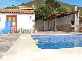 Holiday house with pool in recreation and hiking area