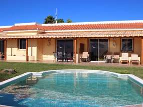 Tenerife Holiday home on an estate with pool, sauna, tennis, indoor pool, spa and more ..