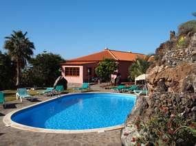 Holiday apartment in Buenavistaon finca with pool