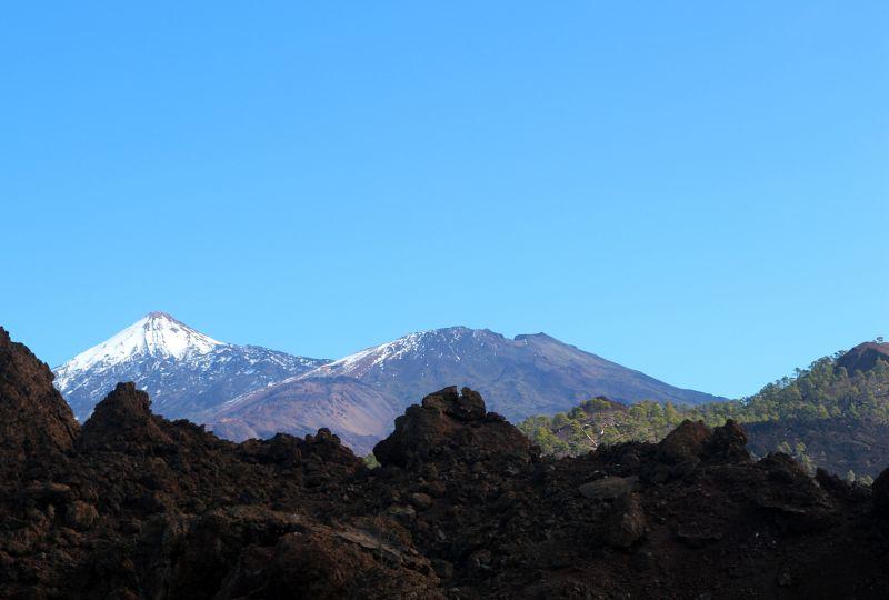 Blick auf den El Teide und die Canadas auf Teneriffa