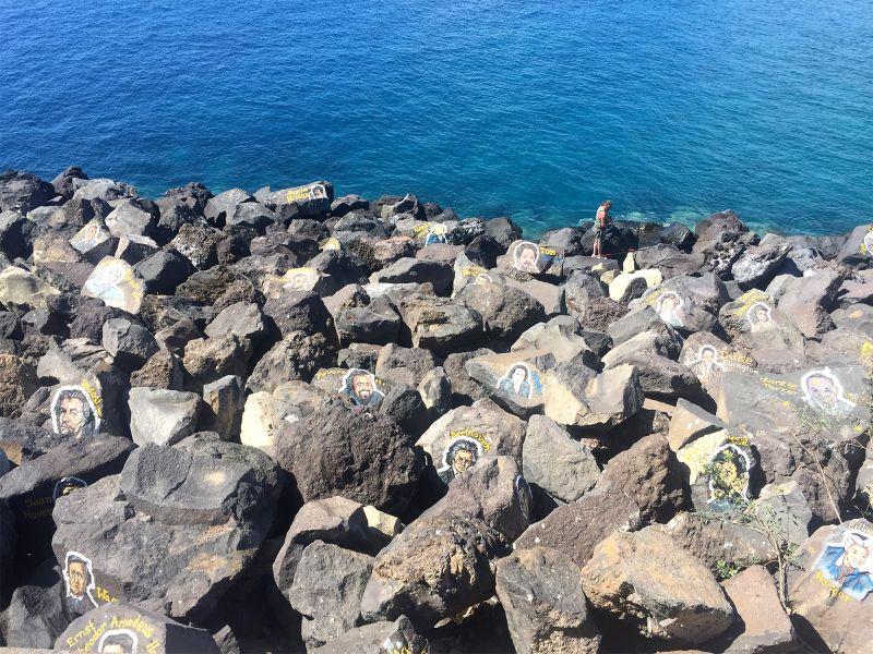 Santa Cruz de Tenerife - Rätsel um die Porträts auf den Steinen